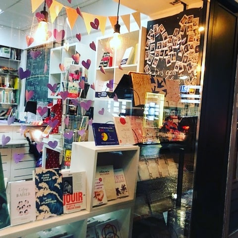 vitrine de la librairie des gens qui lisent