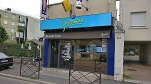 photo de la devanture du bar tabac le speranza rue de la republique à sartrouville